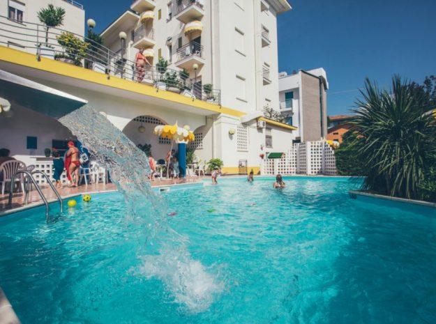 Pool 2©Hotel Gardenia