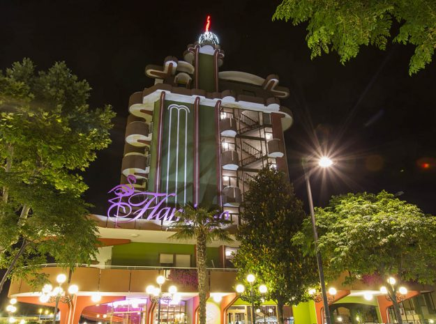 Hotel Flamingo_Außen Nacht