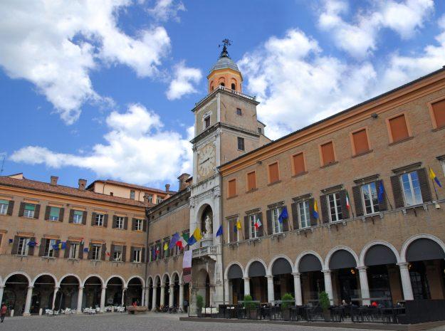 Italien_Modena-Piazza-Grande©Fotolia