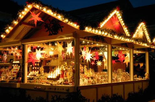 Weihnachtsstand ©Smileus - Fotolia